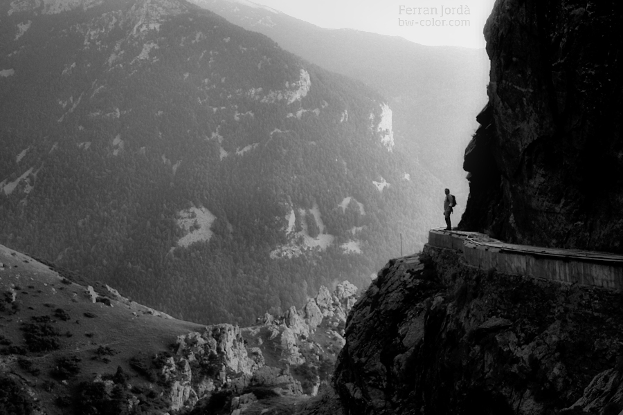 the hiker / l'excursionista