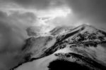 between clouds, snow, valleys and mountains /entre núvols, neu, valls i muntanyes