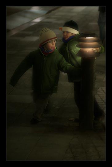 a cold autumn night in the city / una nit freda de tardor a ciutat