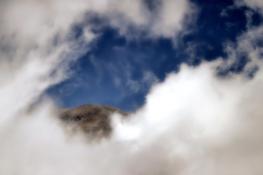 a place to hide in the clouds / un lloc per amagar-se entre els núvols