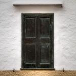 closed window / finestra tancada