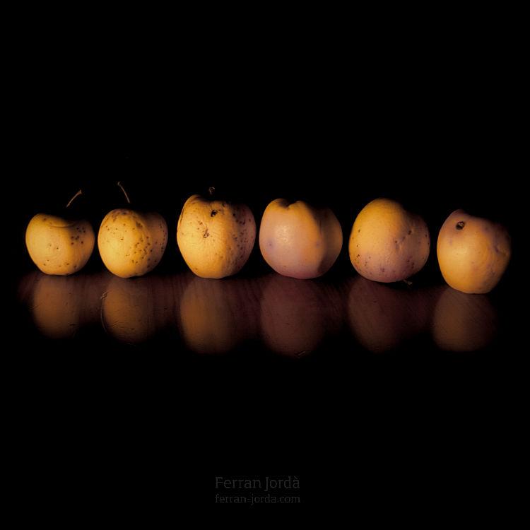 .apples.