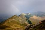 Cresting under the rainbow / Carenant sota l'arc