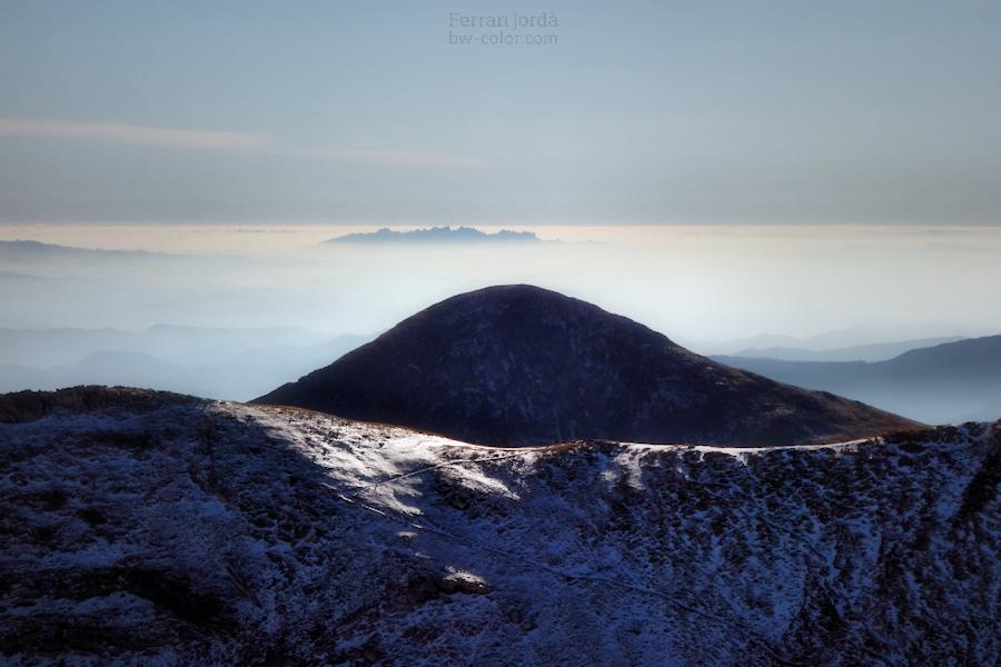 Des del Pirineu.... Montserrat.